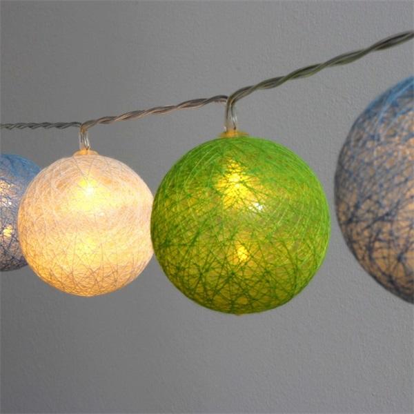 Gömb alakú 6cm/színes fonott/1,5m/zöld-kék-fehér/10db LED-es/USB-s fénydekoráció - 1