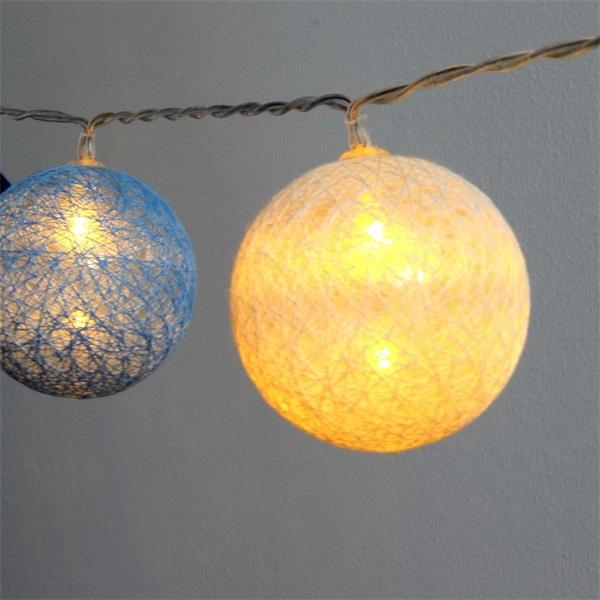 Gömb alakú 6cm/színes fonott/3m/kék-v.kék-fehér/20db LED-es/USB-s fénydekoráció - 1
