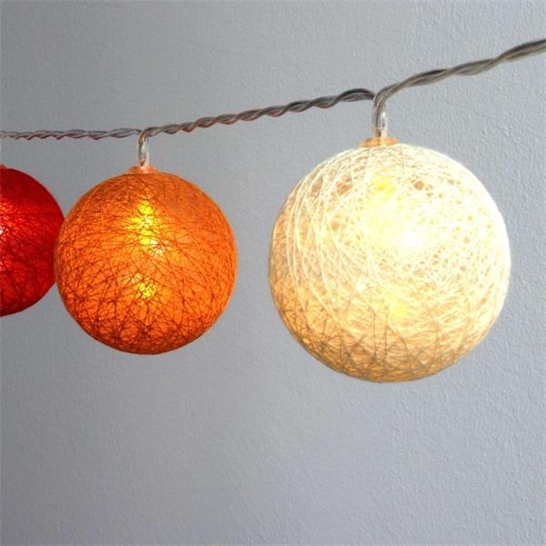 Gömb alakú 6cm/színes fonott/3m/piros-narancs-meleg fehér/20db LED-es/USB-s fénydekoráció - 1