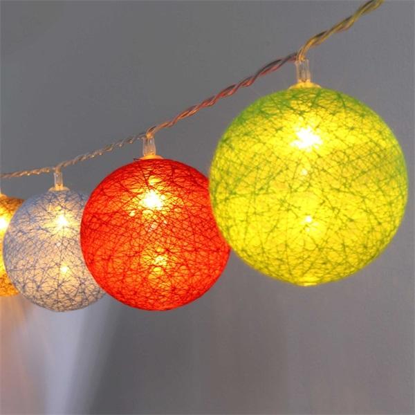 Gömb alakú 6cm/színes fonott/4,5m/barna-piros-kék-zöld/30db LED-es/USB-s fénydekoráció - 1