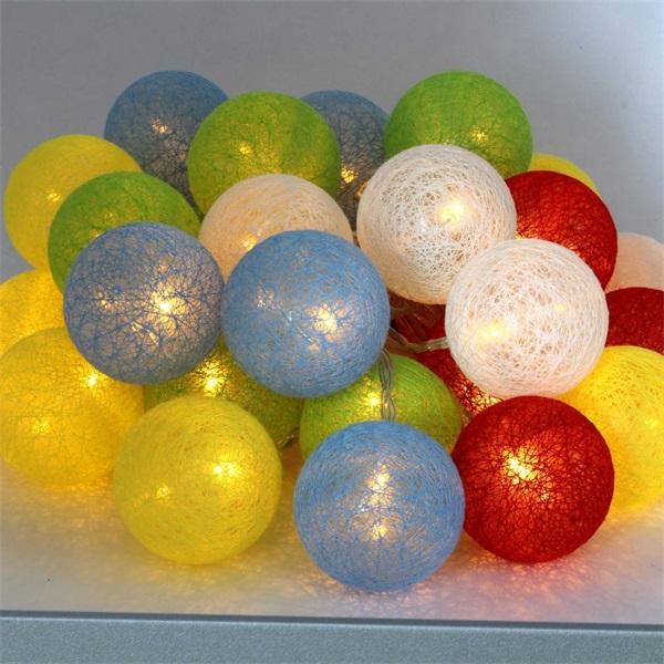 Gömb alakú 6cm/színes fonott/4,5m/több színű/30db LED-es/USB-s fénydekoráció - 1