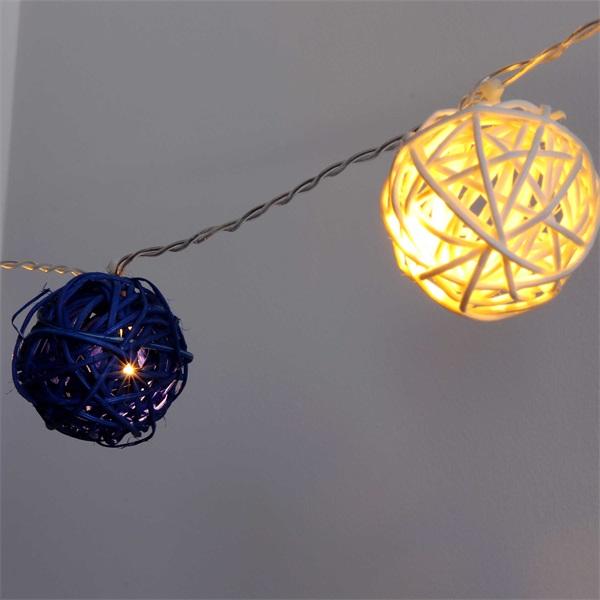 Gömb alakú fonott/rattan/4m/fehér + kék/20db LED-es/3xAA elemes fénydekoráció - 1