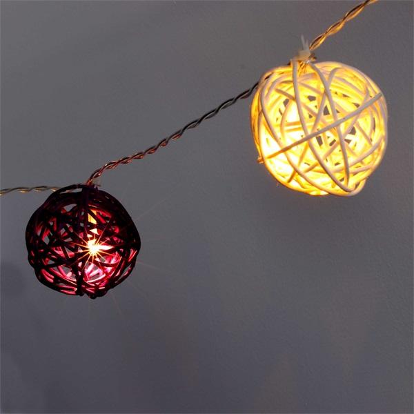 Gömb alakú fonott/rattan/4m/meleg fehér + lila/20db LED-es/3xAA elemes fénydekoráció - 1